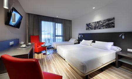 Double Room with Extra Bed - Two Adults + A Child - Eurostars Arenas De Pinto - Madrid