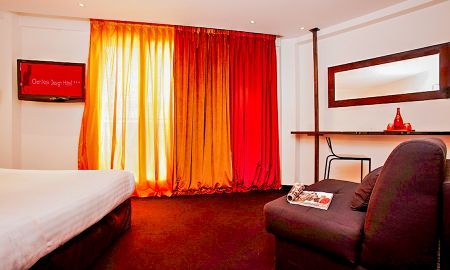 Design Double Or Twin Room - Le Chat Noir Design Hotel - Paris