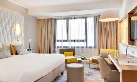 Quarto Superior - Hotel Renaissance Aix En Provence - Aix En Provence