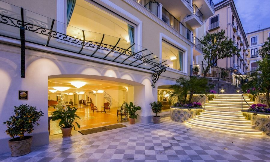 Grand Hotel La Favorita Booking Info