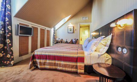 Mansarden Zimmer - Bairro Alto Hotel - Lissabon