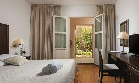 Standard Double Room - Garden View - Hotel Croatia - Split-dalmatia County