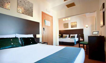 Chambre Quadruple - Hotel DAH - Dom Afonso Henriques - Lisbonne