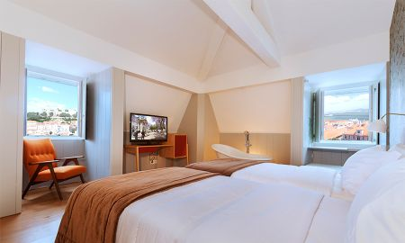 Premium Room with Castle or River View - Lisboa Carmo Hotel - Lisbon