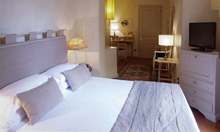 Classic Double Room - J And J Hotel - Tuscany