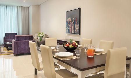 Suite Trois Chambres - Vue sur Centre-Ville - DAMAC Maison Cour Jardin - Dubai