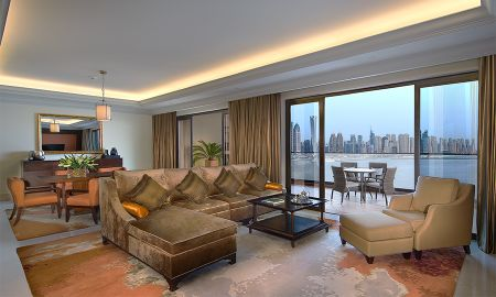 Deluxe One Bedroom Suite - Panoramic Sea View - Fairmont The Palm - Dubai