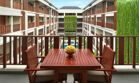 Suite Magani con vistas a la piscina y bañera de hidromasaje - The Magani Hotel And Spa - Bali