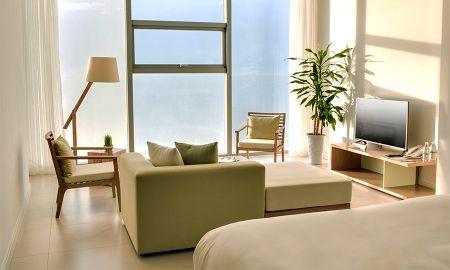 Suite Océan Triple - 1 Soin de Réflexologie Plantaire par Jour - Fusion Suites Danang Beach - Da Nang