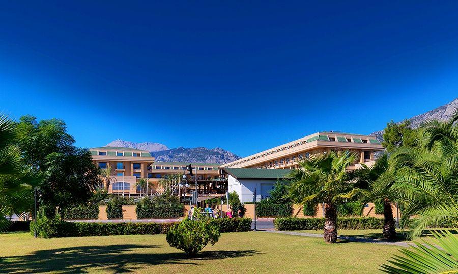 Hotel Crystal De Luxe Resort Spa Booking Info