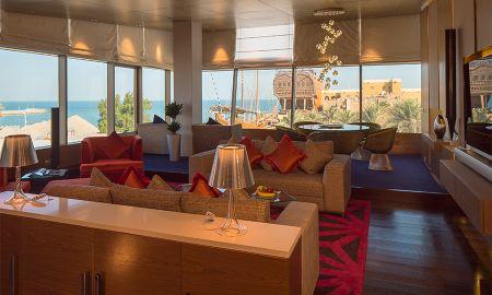 Suite Présidentielle avec Vue Mer & accès au Lounge - Radisson Blu Hotel, Kuwait - Koweït