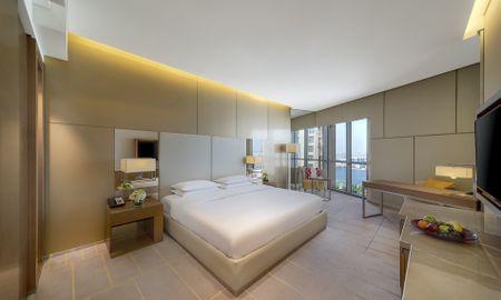 Camera Regency - City View - Hyatt Regency Dubai Creek Heights - Dubai
