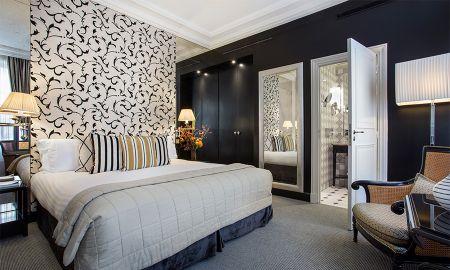 Chambre Familiale, 2 adultes + 2 enfants - Hôtel Castille - Paris
