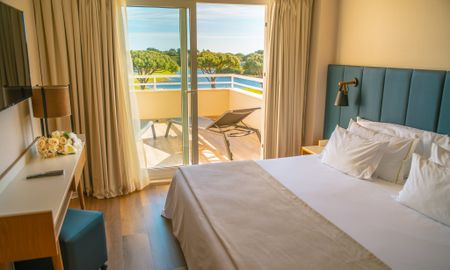 Suite - Balcony - Onyria Quinta Da Marinha Hotel - Lisbon