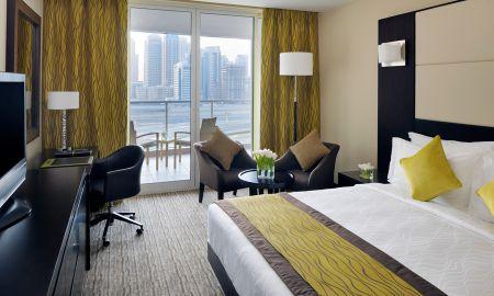 Номер люкс королевский - Mövenpick Hotel Jumeirah Lakes Towers - Dubai