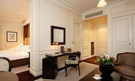 Suite Junior - La Tremoille Paris - Paris