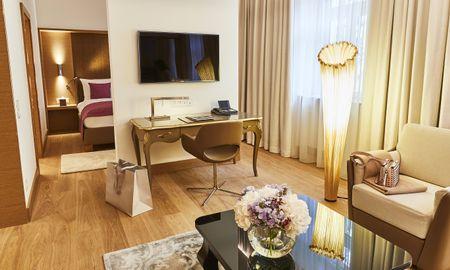 Suite Junior Deluxe - Hotel Vier Jahreszeiten Kempinski - Munique
