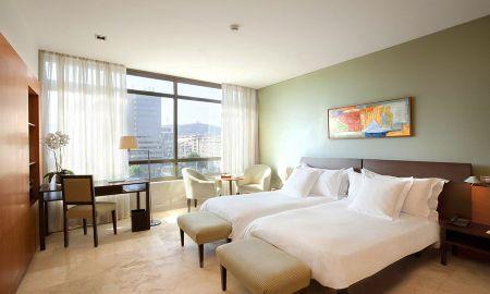 Номер повышенной комфортности - трехместный - Gran Hotel Torre Catalunya - Barcelona