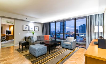 Grand Deluxe Two-Bedroom Suite - Chatrium Residence Sathon Bangkok - Bangkok