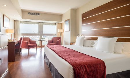 Double Room with Extra Bed (2 Adults + 1 Child) - Ilunion Málaga - Malaga