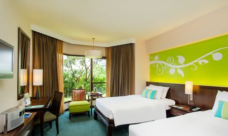 Номер Делюкс с видом на сад - The Bayview Hotel Pattaya - Pattaya