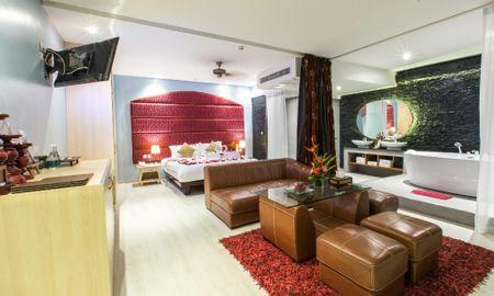 Standard Jacuzzi Suite - Indochine Resort And Villas - Phuket