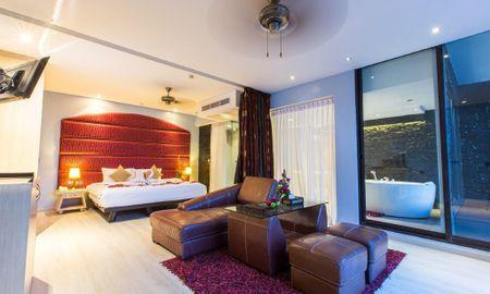 Superior Jacuzzi Suite - Indochine Resort And Villas - Phuket