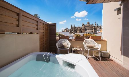 Deluxe Room with Terrace and Jacuzzi - Hotel Casa 1800 Sevilla - Seville