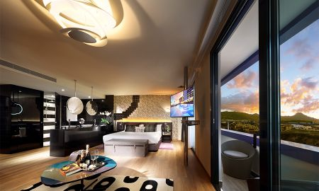 Suite Estudio Gold (2 Adults + 1 Child) - Hard Rock Hotel Tenerife - Islas Canarias