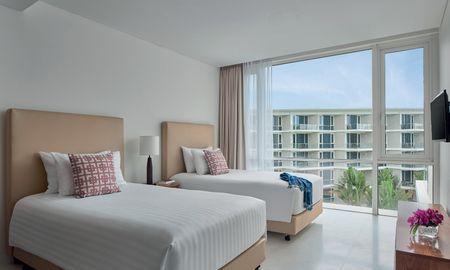 Deluxe Double Double no balcony - Splash Beach Resort Maikhao Phuket - Phuket