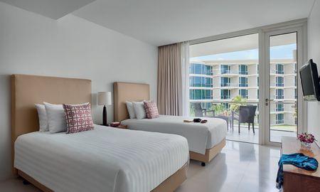 Deluxe Twin with balcony - Splash Beach Resort Maikhao Phuket - Phuket