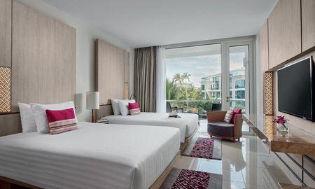 Executive Double Double with balcony - Splash Beach Resort Maikhao Phuket - Phuket