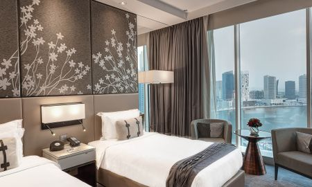 Двухместный номер делюкс с двумя односпальными кроватями - вид на канал - Pullman Dubai Downtown - Dubai