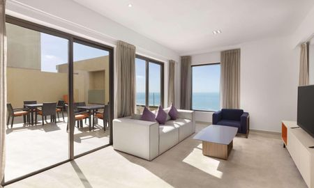 Suite Duplex - Hawthorn Suites By Wyndham JBR - Dubai
