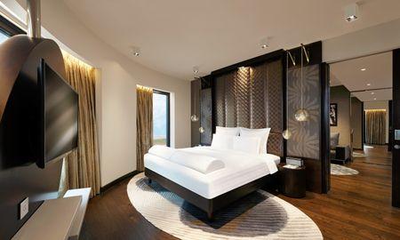Executive Suite - Two way Airport Transfers, Executive Club Lounge - Pullman New Delhi Aerocity - Delhi