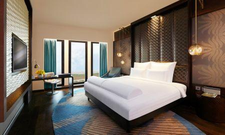 Executive Club King Room - Executive Club Lounge Access - Pullman New Delhi Aerocity - Delhi