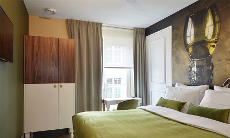 Standard Room With Balcony - The Muse Amsterdam - Boutique Hotel - Amsterdam