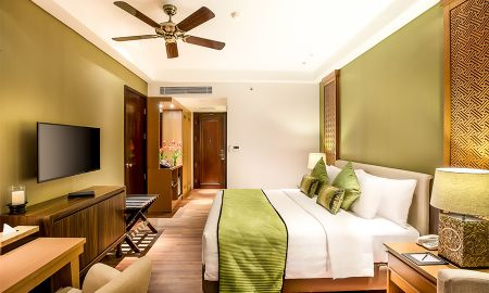 Camera Retreat - Saranam Resort & Spa - Bali