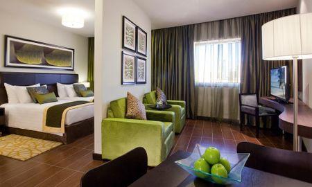 Habitaciòn Deluxe King - Mövenpick Hotel Apartments Al Mamzar - Dubai