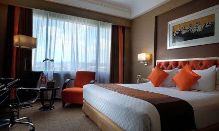 Grand Deluxe Queen - Hotel Ciputra Semarang - Semarang