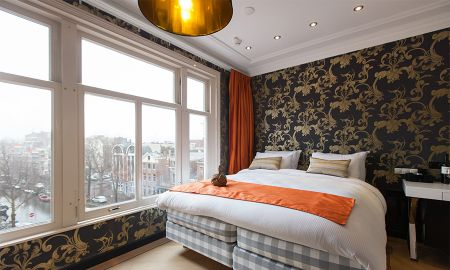 Deluxe Room - Canal View - Amsterdam Canal Hotel - Amsterdam