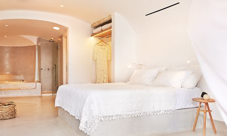 Open Plan Suite with Private Heated Pool - Mykonos Blu Grecotel Exclusive Resort - Mykonos