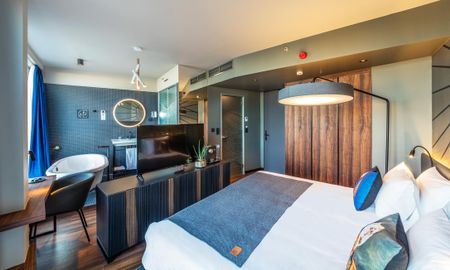 Danube Top Floor Studio – Seventh Heaven - Hotel Clark - Adults Only - Budapest