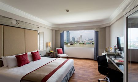 Royal Thai Suite - Ramada Plaza Bangkok Menam Riverside - Bangkok