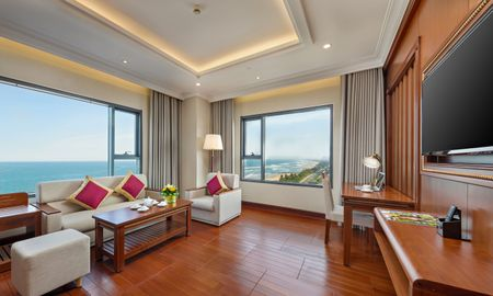 Junior Suite with Ocean Front - DLG HOTEL DANANG - Da Nang