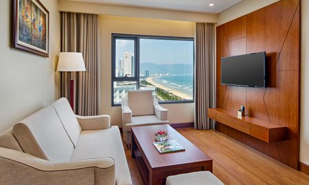 Grand Family Room with Ocean View - DLG HOTEL DANANG - Da Nang