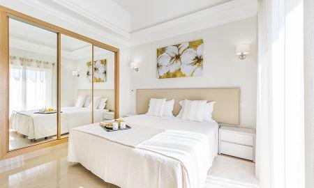 Three Bedroom Villa - Lakeside Country Club - Algarve