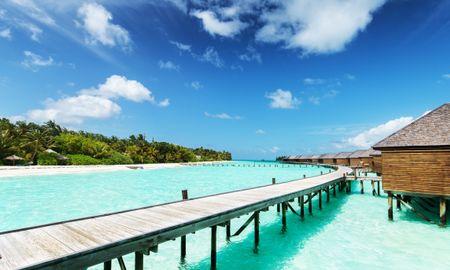 Jacuzzi Water Villa - Veligandu Island Resort & Spa - Maldives