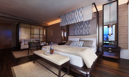 Junior Suite Ocean Front with Private Pool - The Apurva Kempinski Bali - Bali