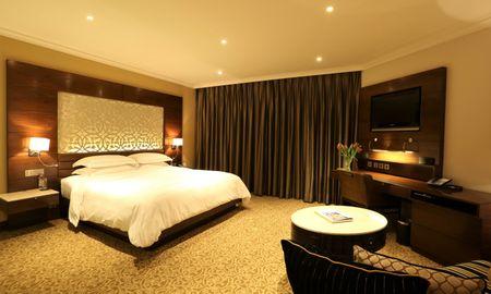 Taj Club Premium Room, King Bed, One Way Transfer, Lounge Access, Cocktail Hours - Taj Palace, New Delhi - Delhi